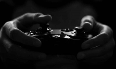 gray scale image of xbox game controller 194511
