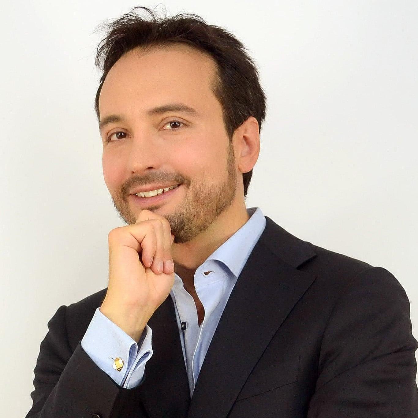Alessandro Alinone Now4real