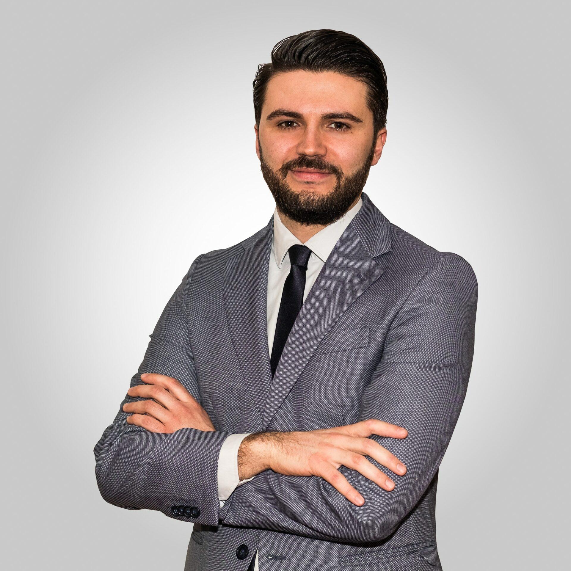 Nico Costantino Crossnova
