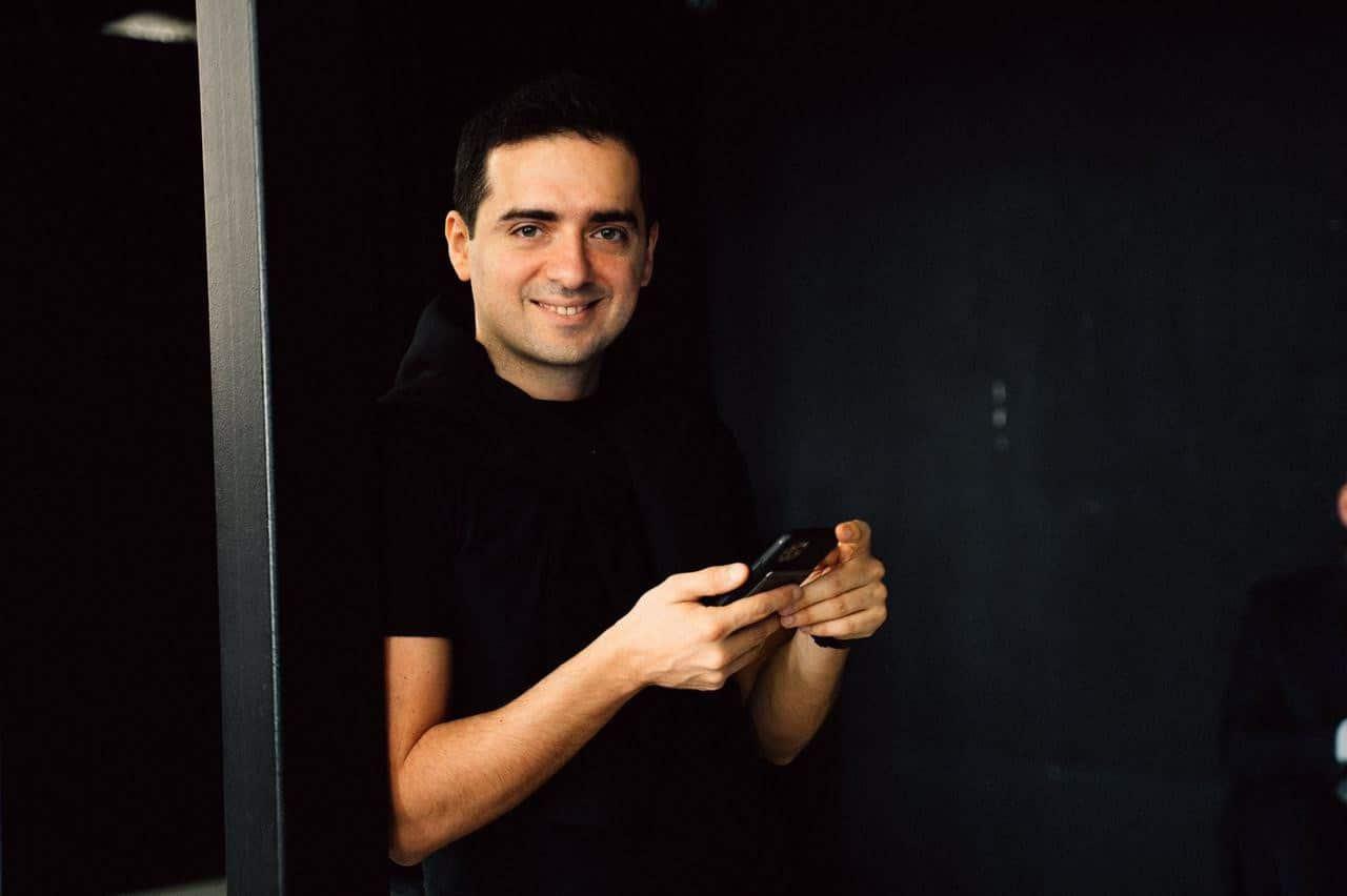 Arik Akhverdyan VCV