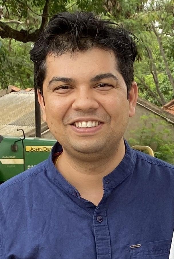 Mayank Tiwari Reshamandi