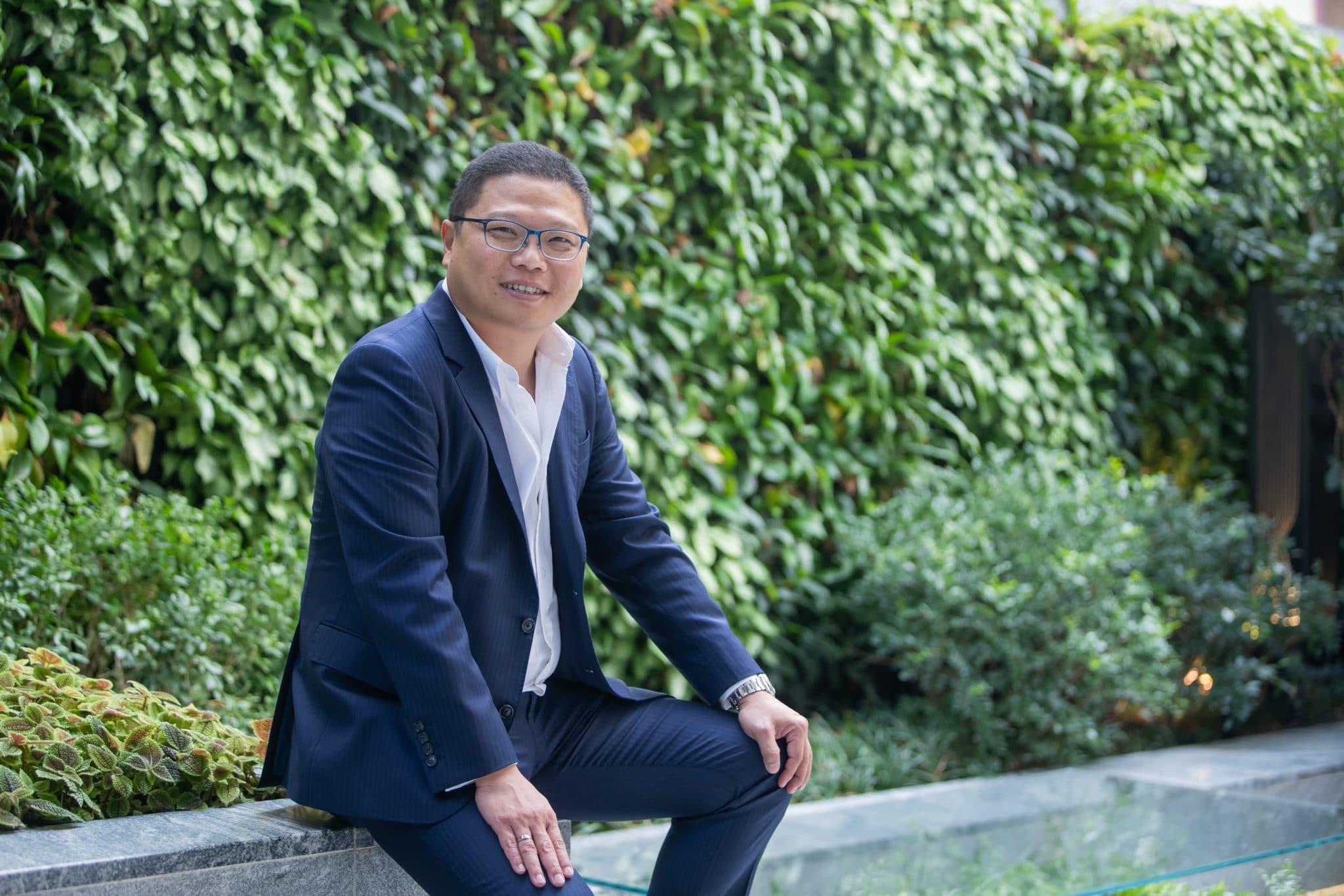 Dr. Vincent Chow En-trak