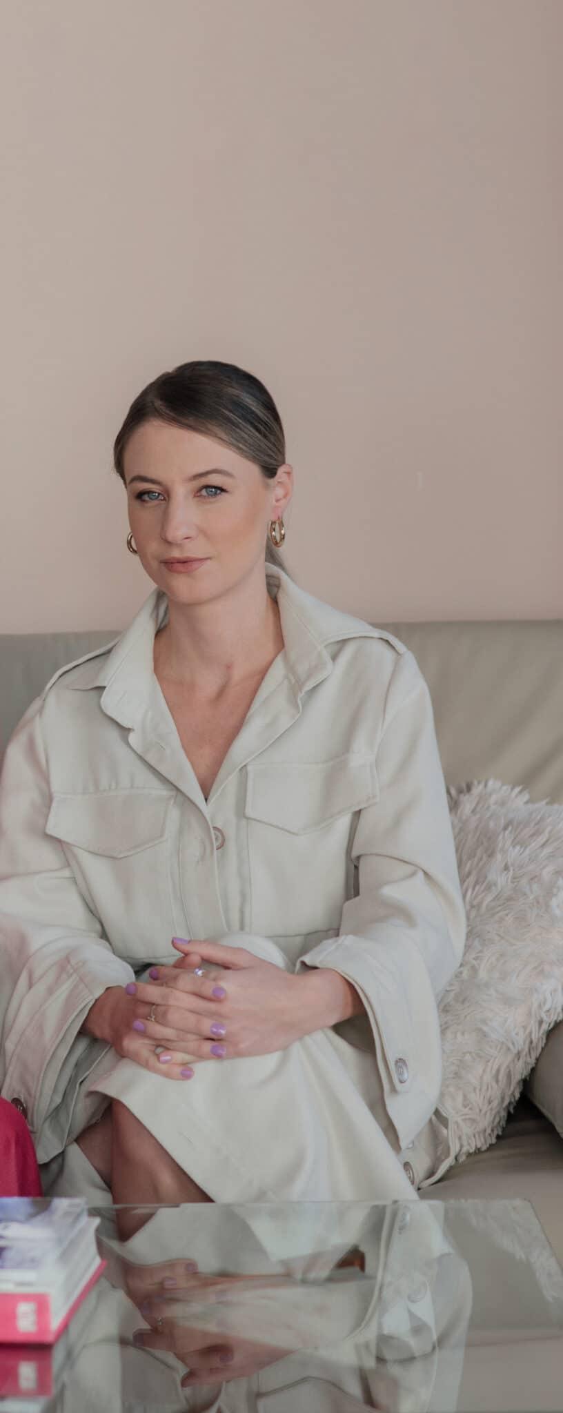 Daniela Milosheshka Bastet Noir