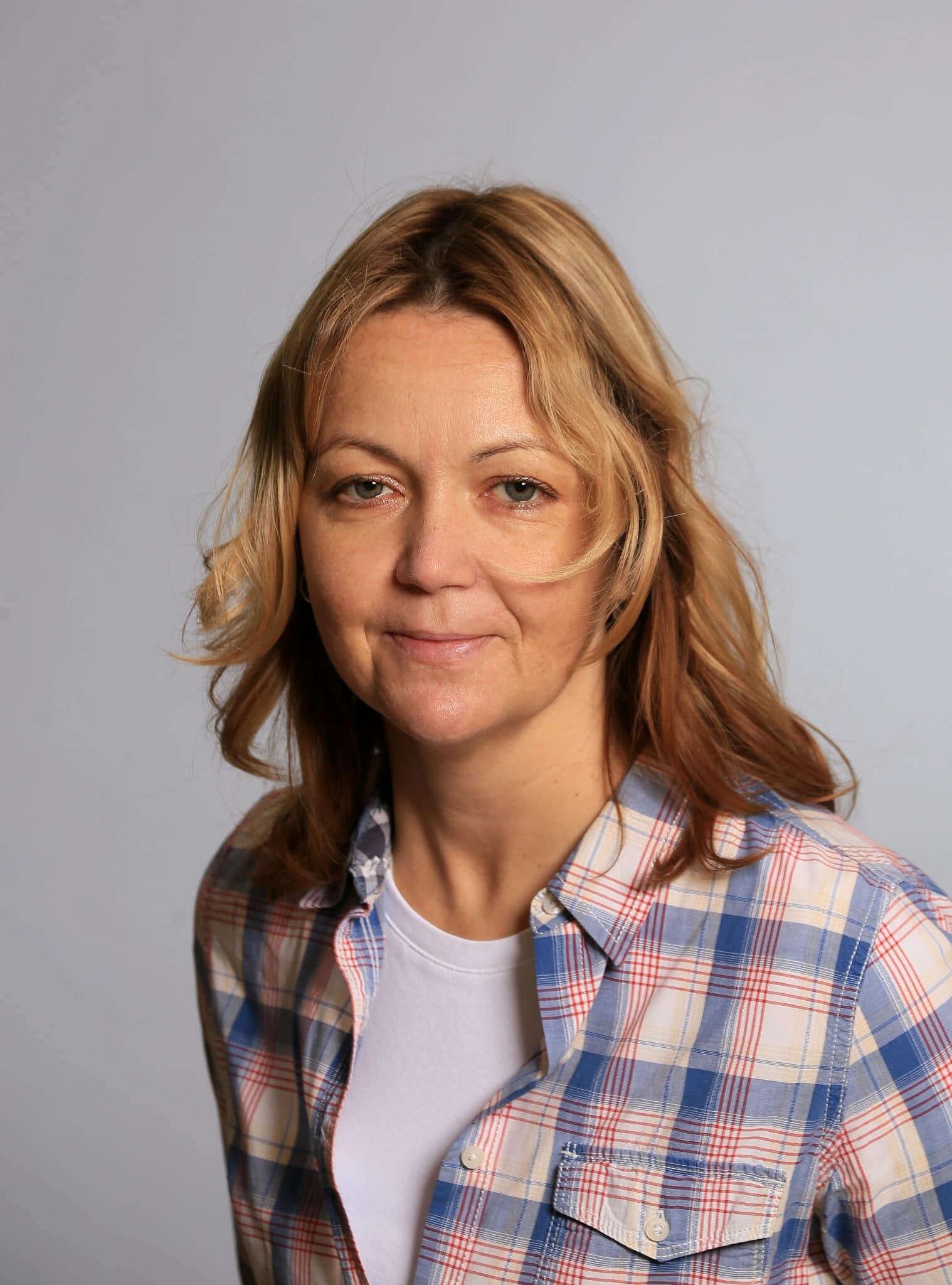 Andrea Najvarkova, Bring Auto