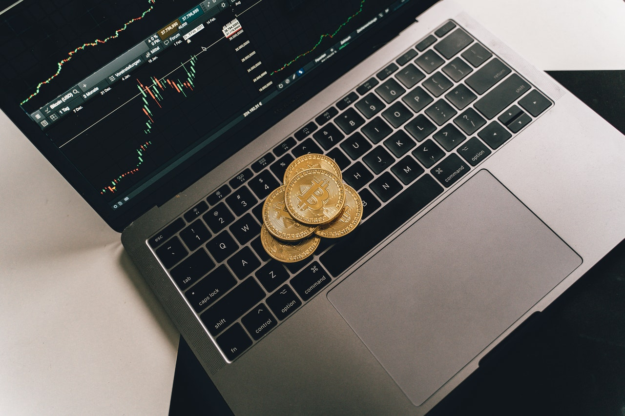 Get Familiar with Some Common Risks Involved with Bitcoins