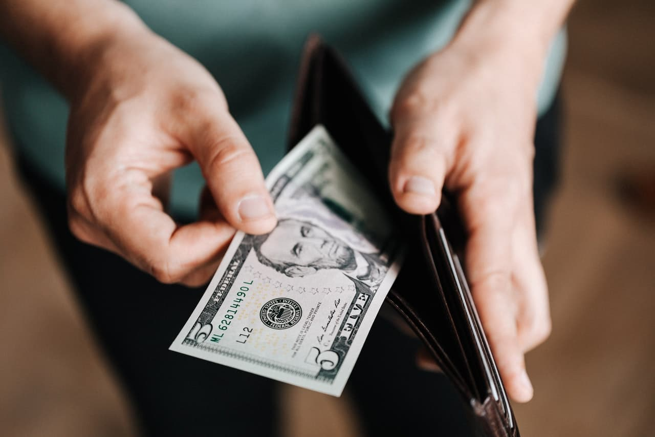 How Much Money do Counselors and Therapists Earn