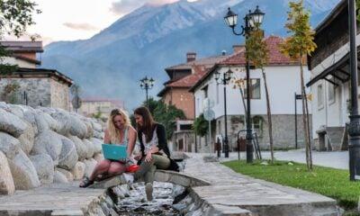 digital nomads travel and work